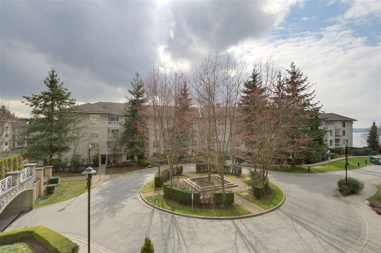 313 3600 WINDCREST DRIVE - Roche Point - North Vancouver
