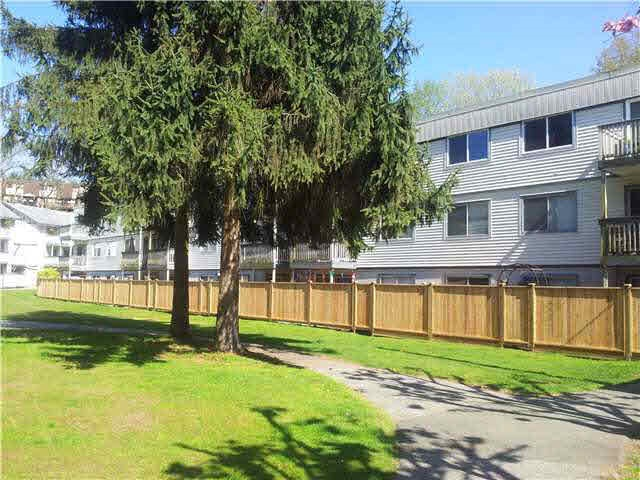 312 780 PREMIER STREET - Lynnmour - North Vancouver