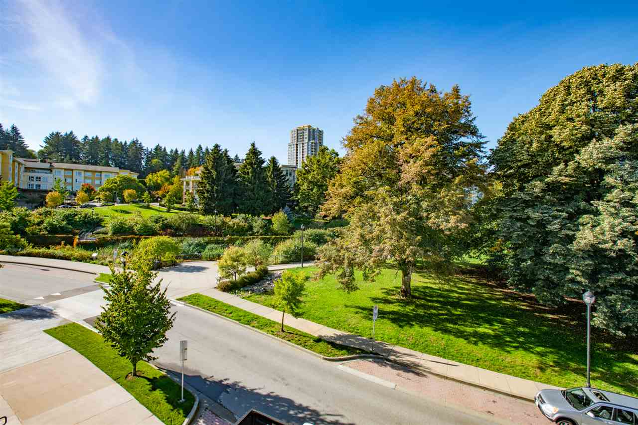 306 -  28 E ROYAL #306 Queens Park, New Westminster (R2302546)