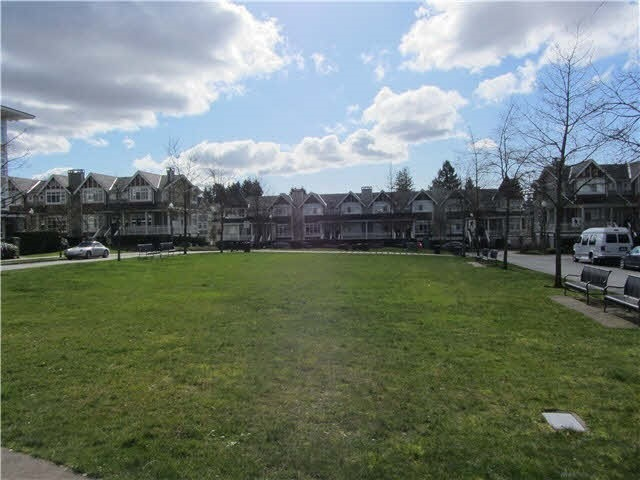 113 7088 MONT ROYAL SQUARE - Champlain Heights - Vancouver