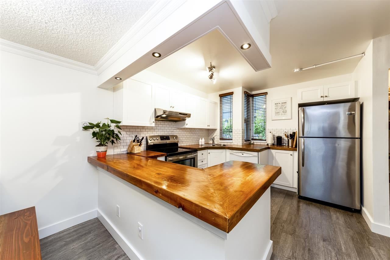 4 1535 ST. GEORGES AVENUE - Central Lonsdale - North Vancouver
