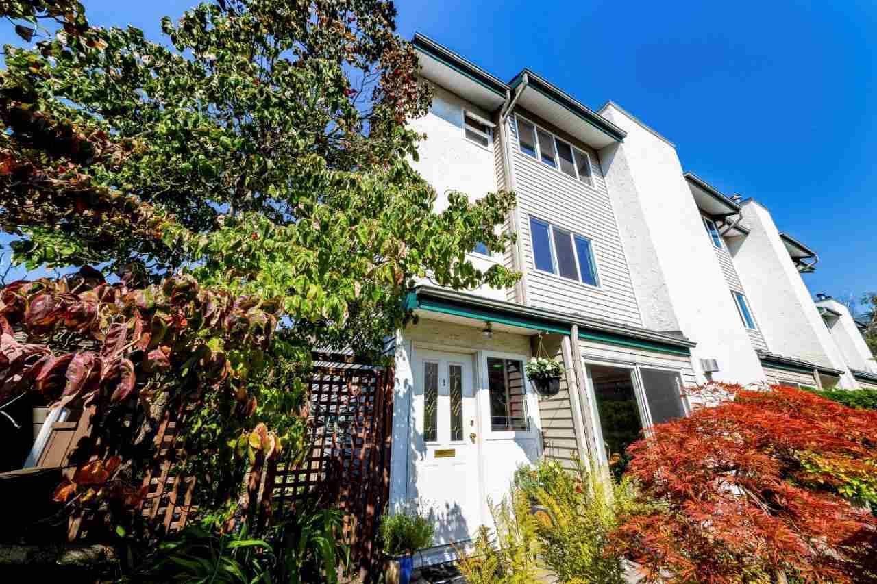 1 230 W 13TH STREET - Central Lonsdale - North Vancouver