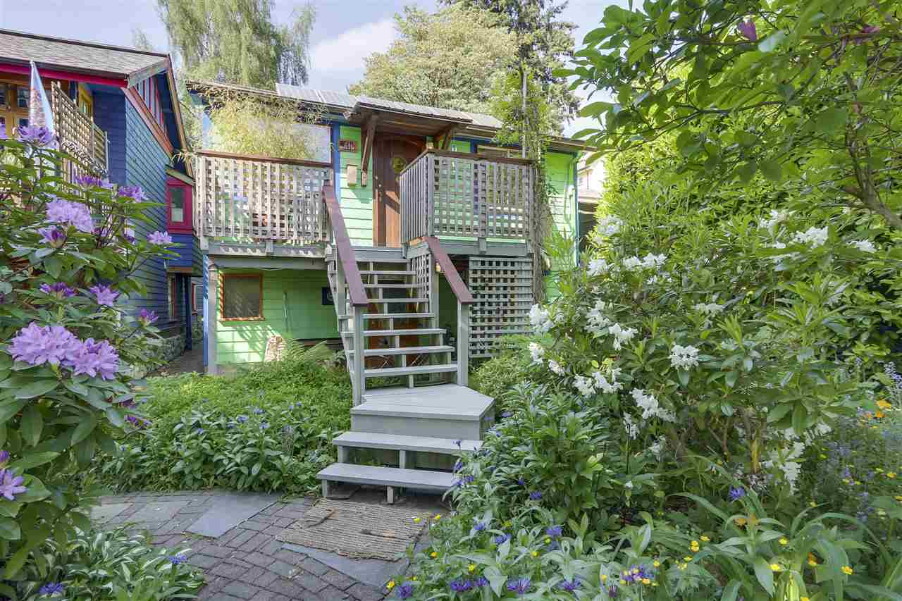 418 E 11 STREET - Central Lonsdale - North Vancouver