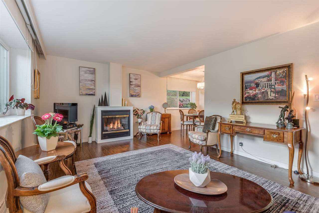 1 1420 CHESTERFIELD AVENUE - Central Lonsdale - North Vancouver