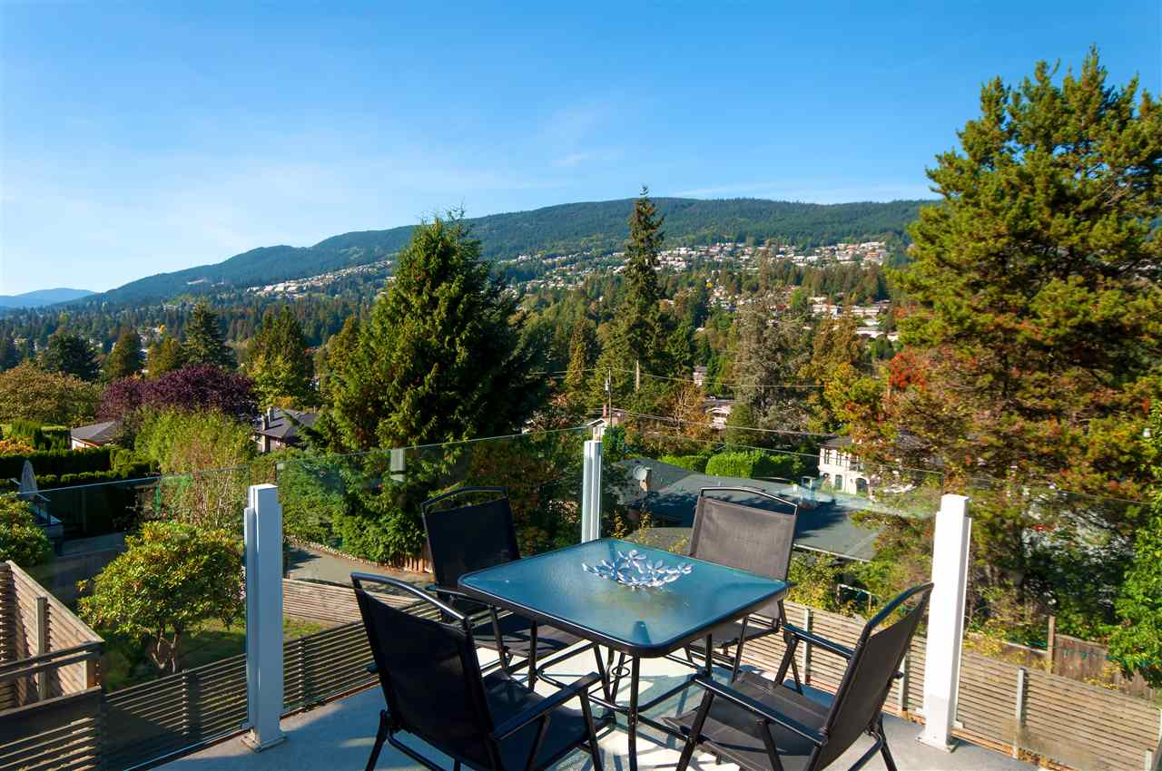 925 INGLEWOOD Sentinel Hill, West Vancouver (R2309404)