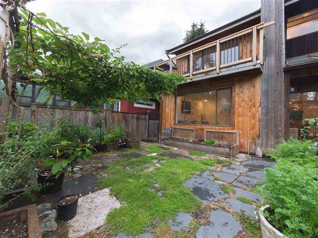 1335 E 8TH STREET - Lynnmour - North Vancouver