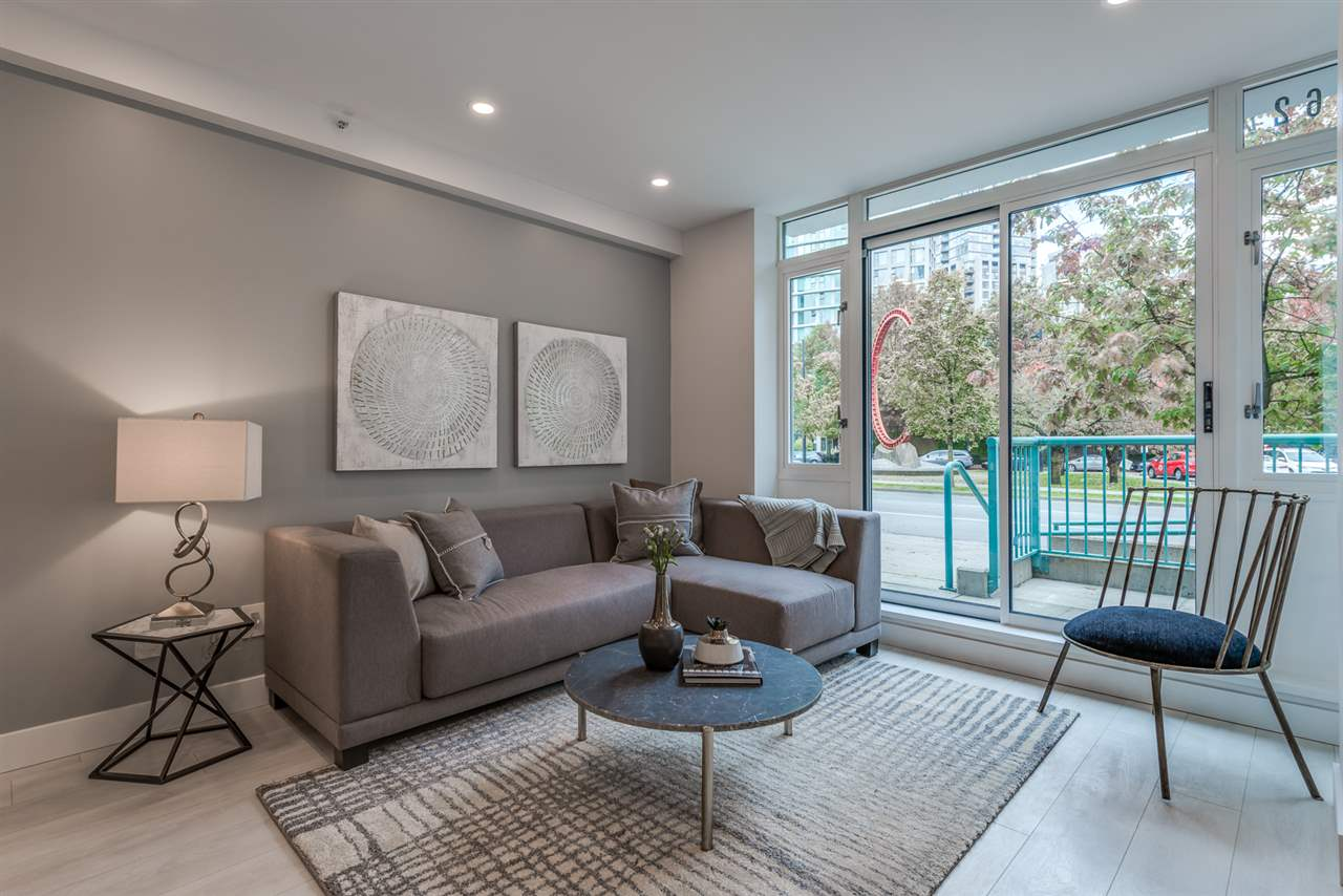 1062 PACIFIC BOULEVARD - Yaletown - Vancouver