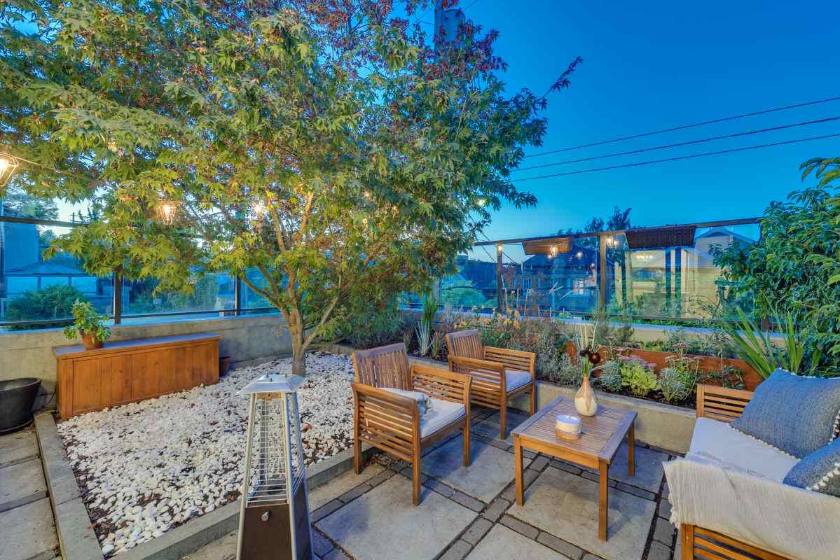 101 4355 W 10TH AVENUE - Point Grey - Vancouver