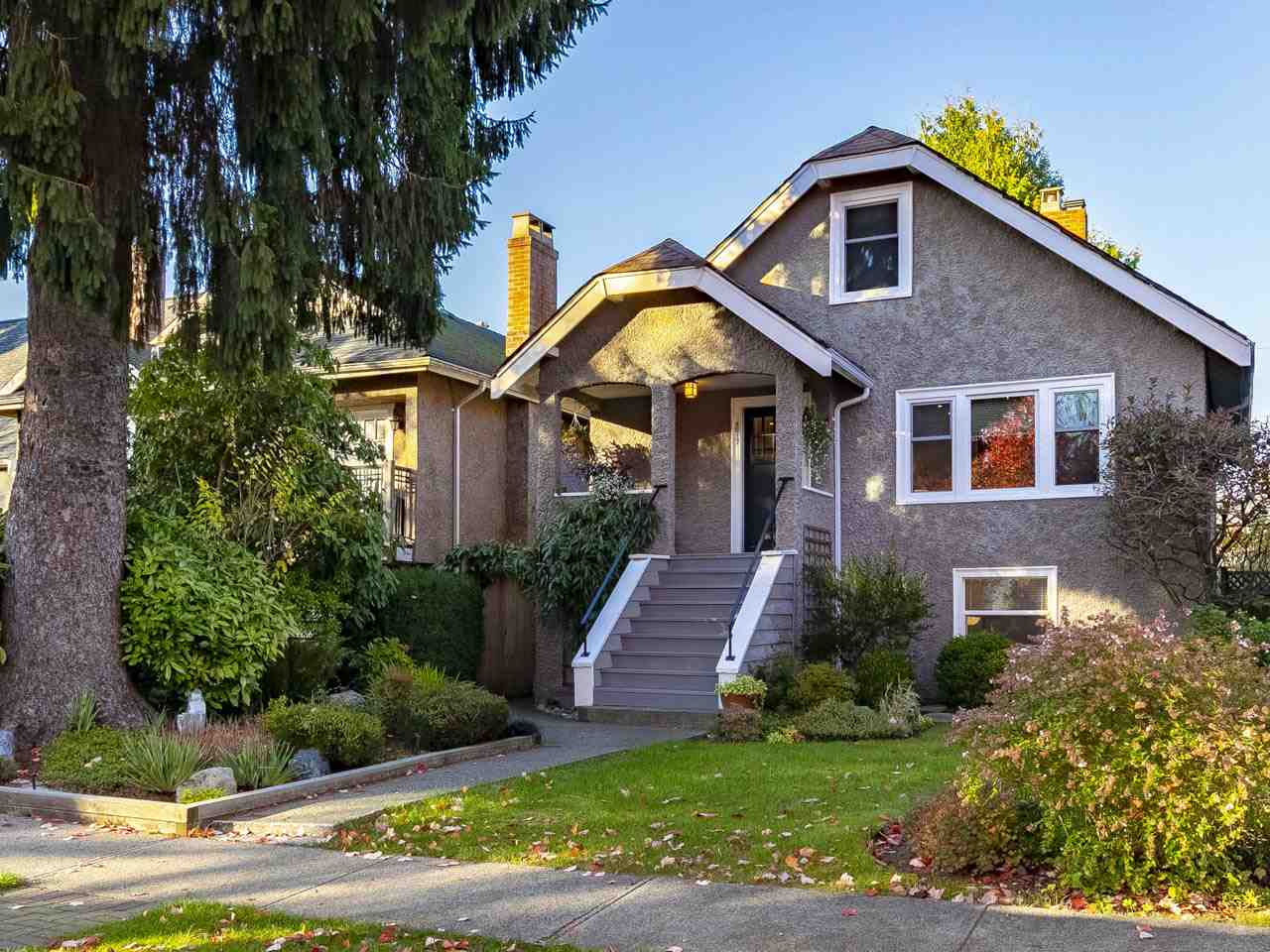 4517 W 14TH AVENUE - Point Grey - Vancouver