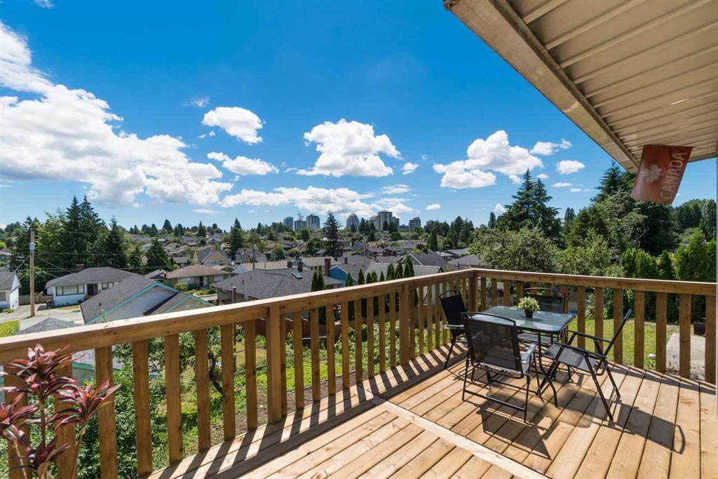 220 TENTH AVENUE, New Westminster