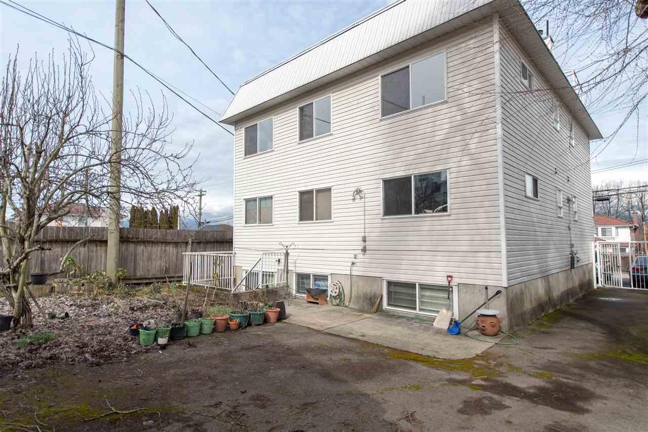 2248 GALT STREET - Victoria - Vancouver