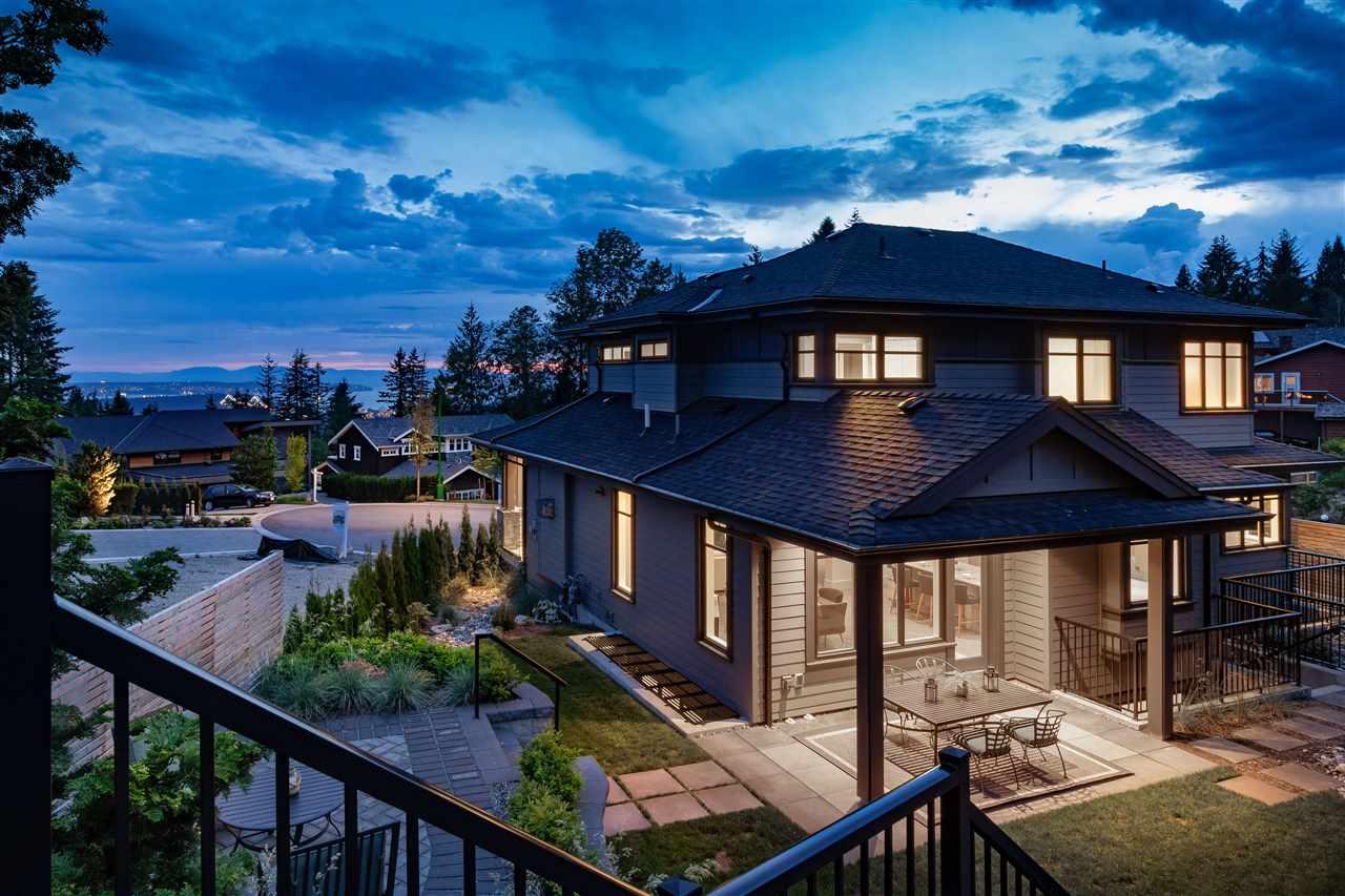 286 MONTERAY WAY - Upper Delbrook - North Vancouver