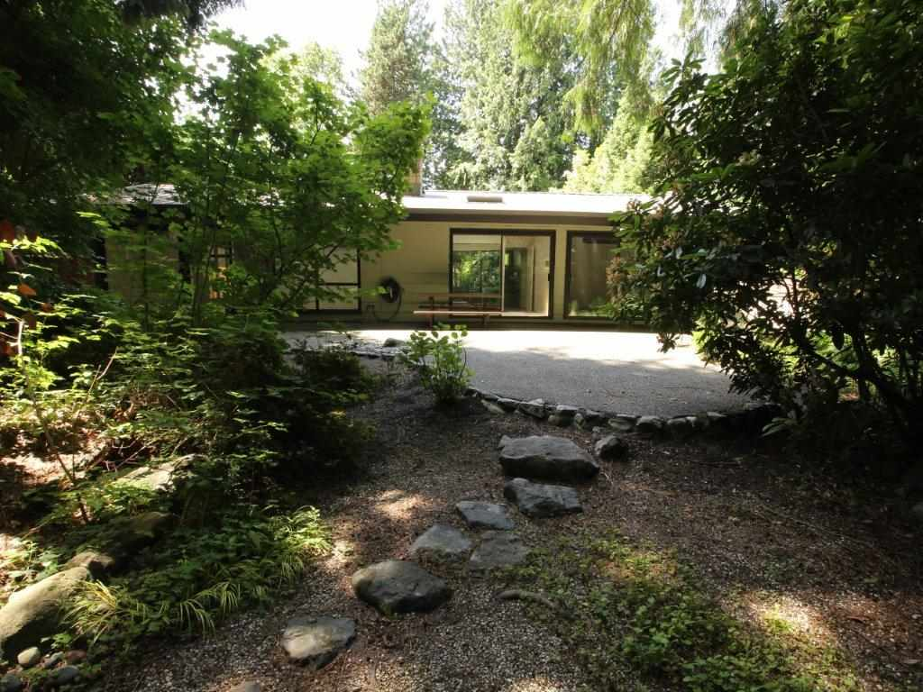 1368 GREENBRIAR WAY - Edgemont - North Vancouver
