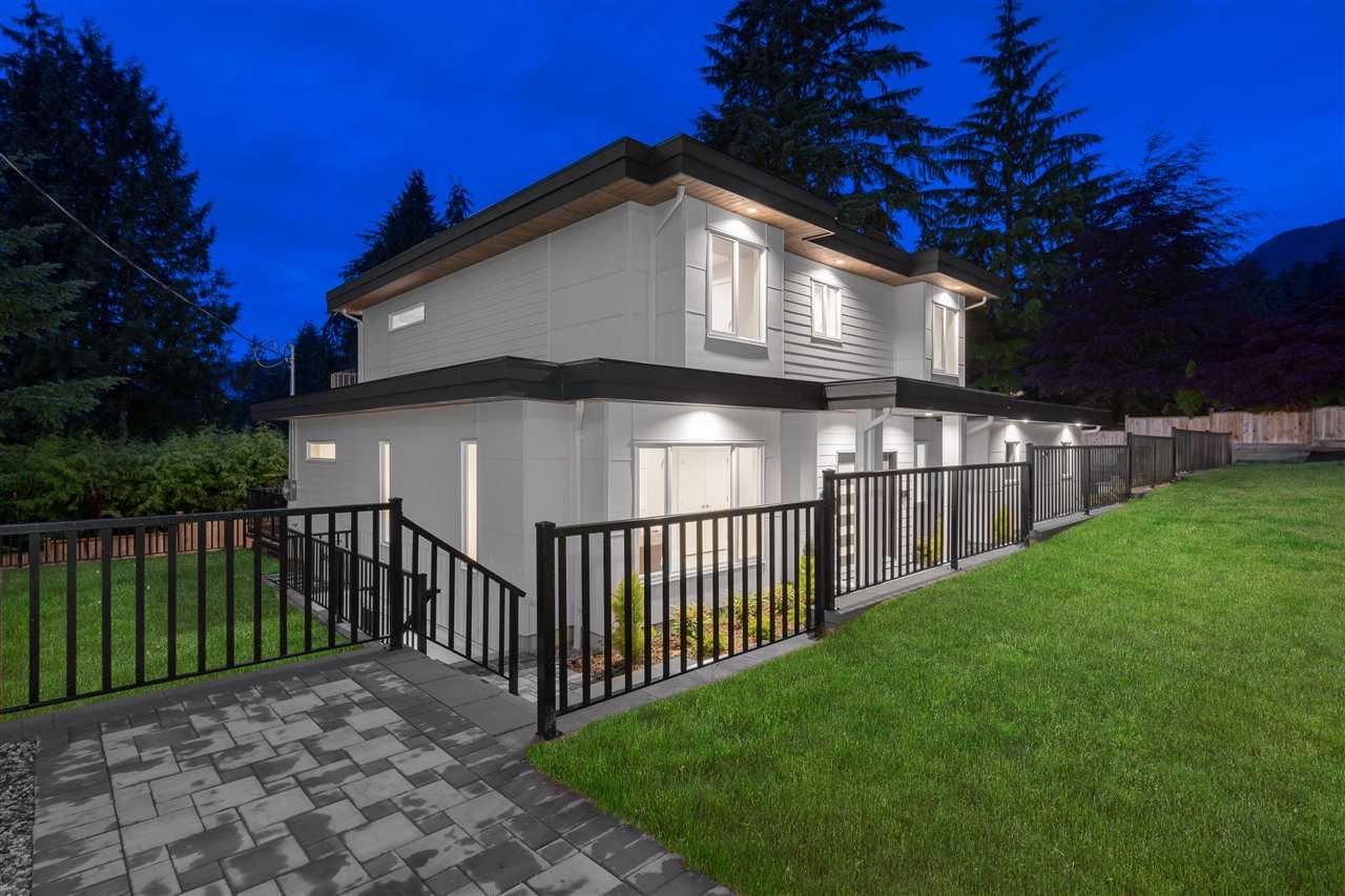 4935 CEDARCREST AVENUE, North Vancouver