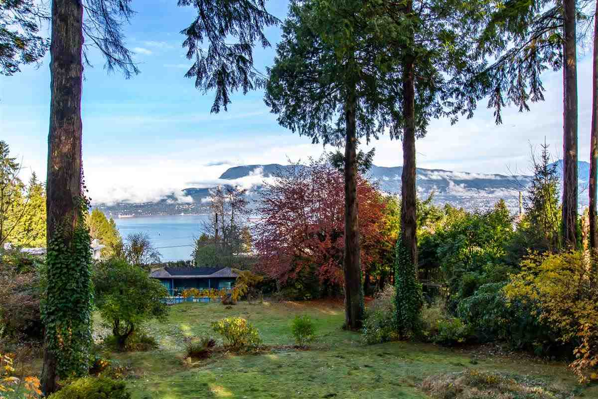 1611 DRUMMOND DRIVE, Vancouver West