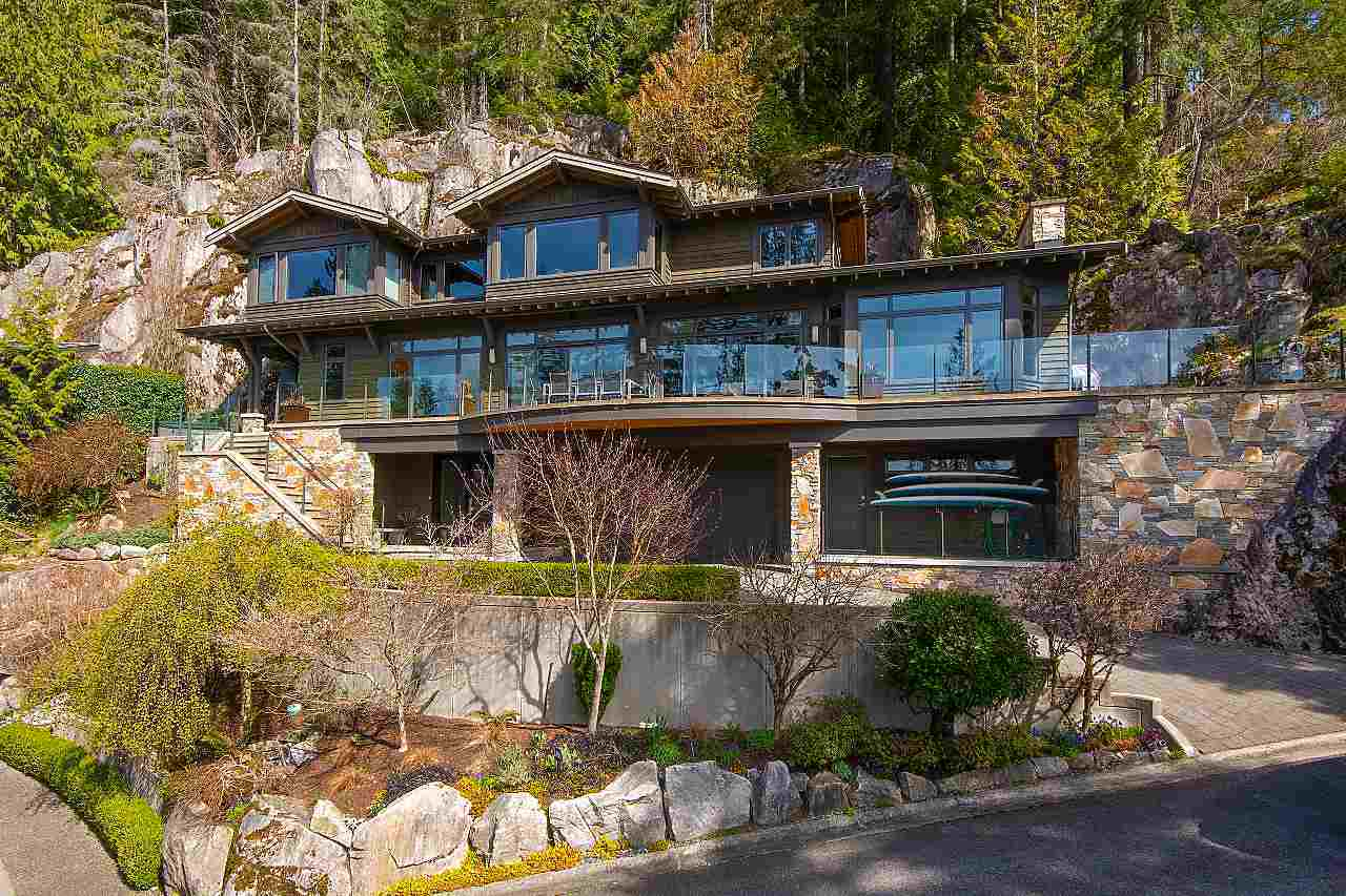 2881 PANORAMA DRIVE, North Vancouver
