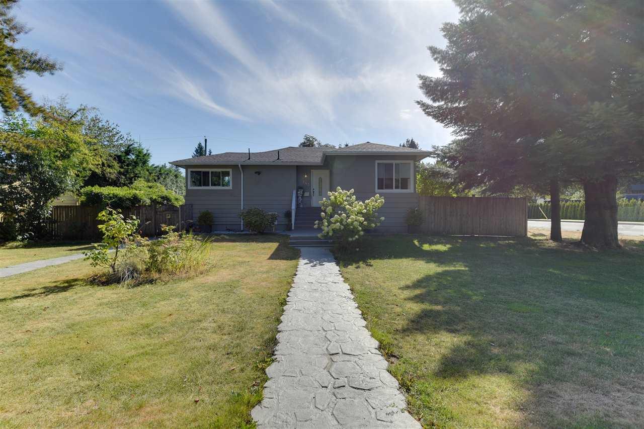 945 GLENORA AVENUE, North Vancouver