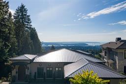 307 NEWDALE COURT - Upper Delbrook - North Vancouver