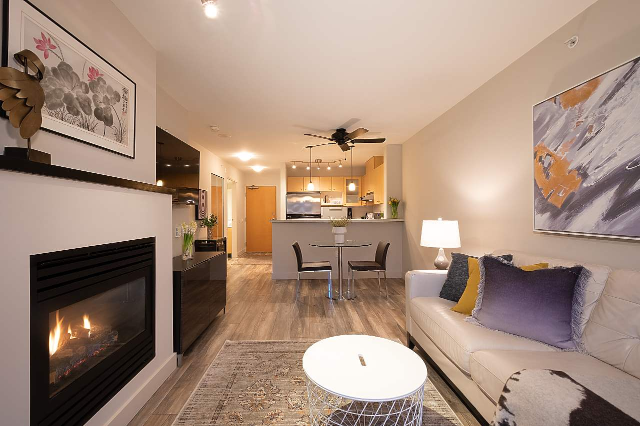 404 124 W 1ST STREET, North Vancouver