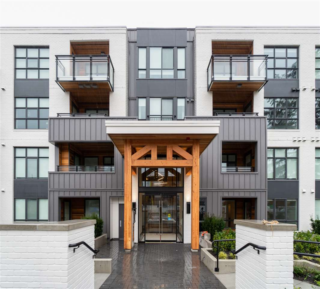 305 733 E 3RD STREET, North Vancouver