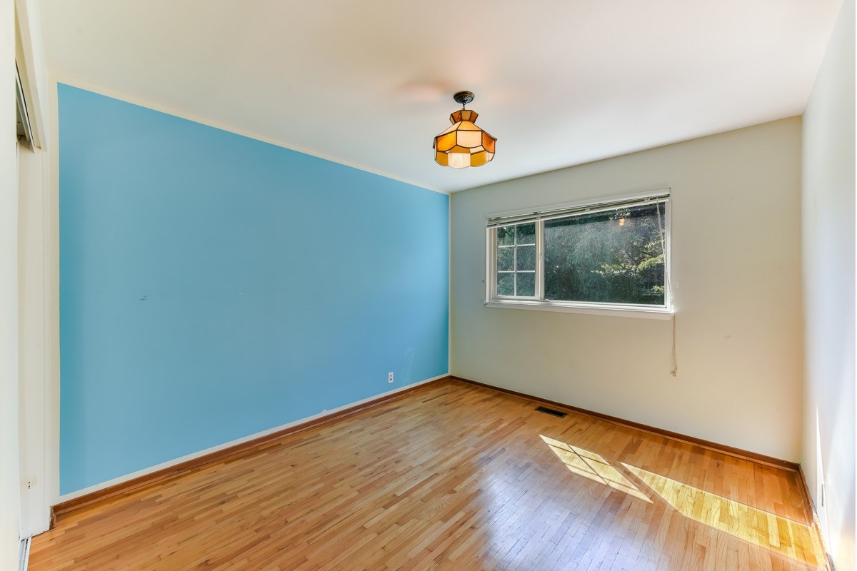 Listing Image of 4408 LIONS AVENUE