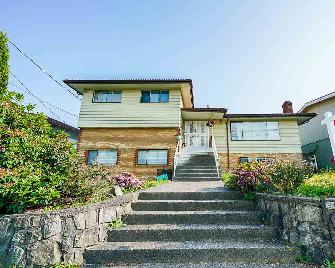 3932 MOSCROP STREET, Burnaby South