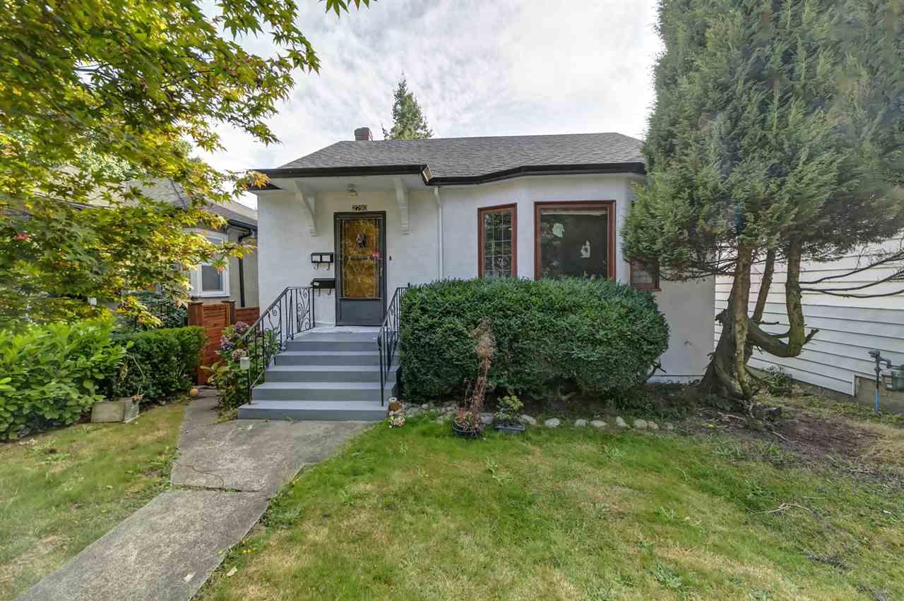 2790 ADANAC STREET, Vancouver East