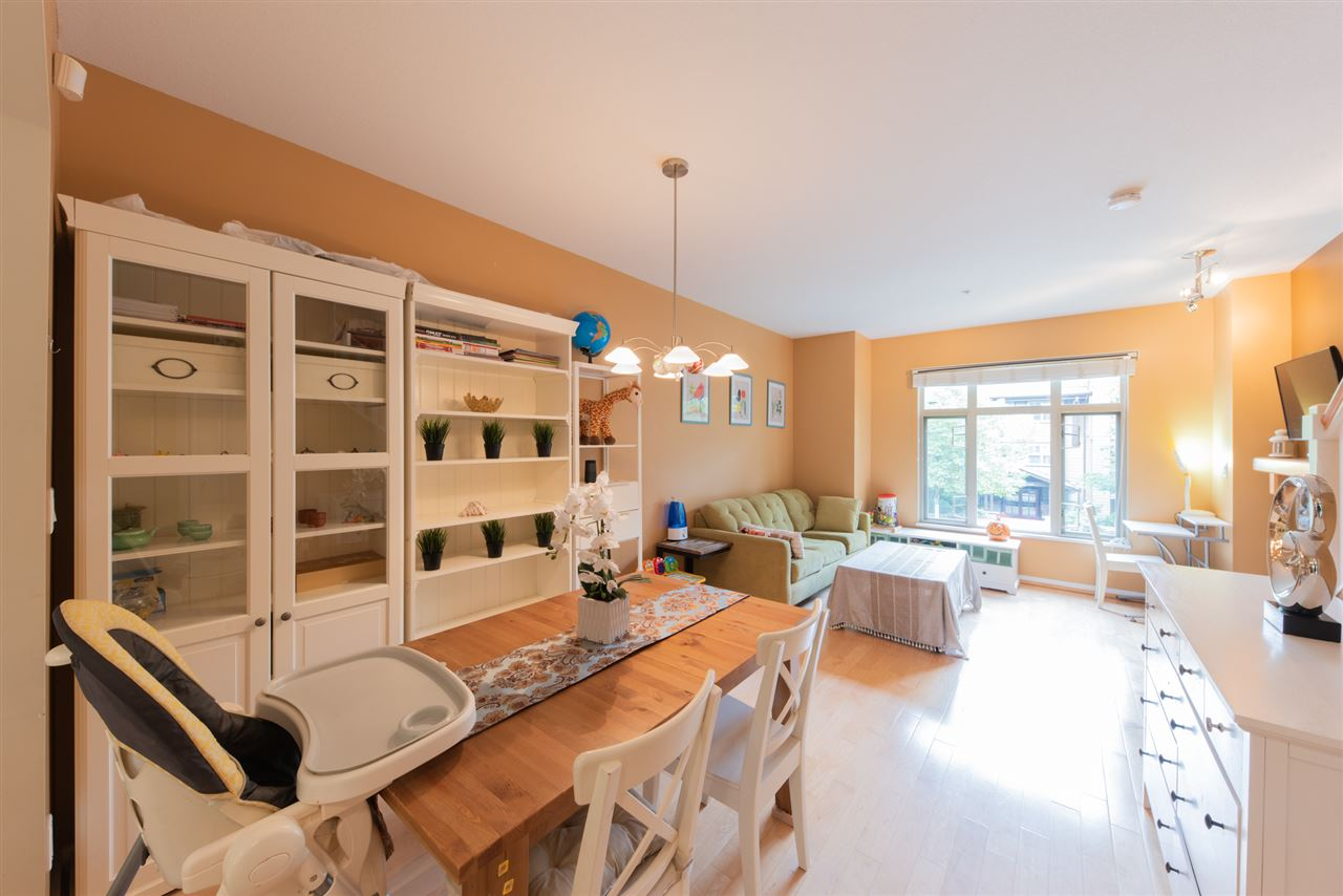 242 600 PARK CRESCENT, New Westminster
