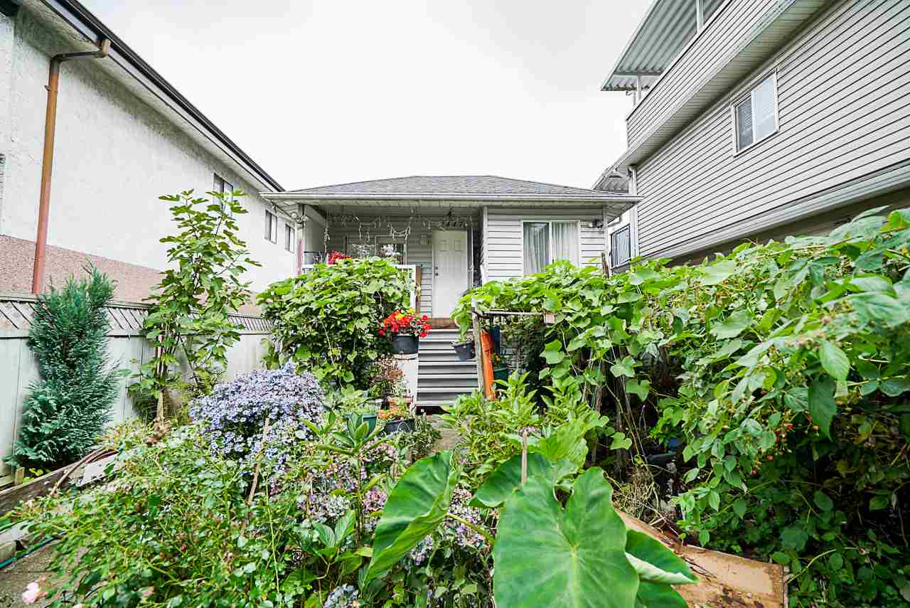 2447 EAST 41ST AVENUE, Vancouver East