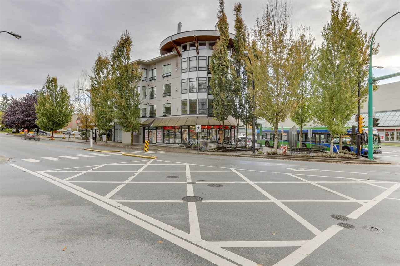 203 935 W 16TH STREET, North Vancouver