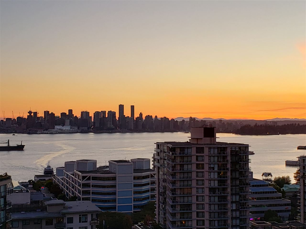 1503 120 W 2ND STREET, North Vancouver