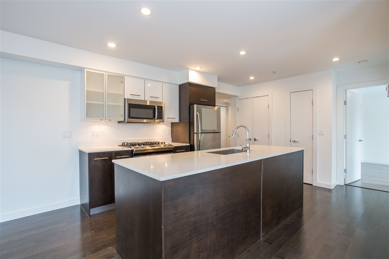 307 935 W 16TH STREET, North Vancouver