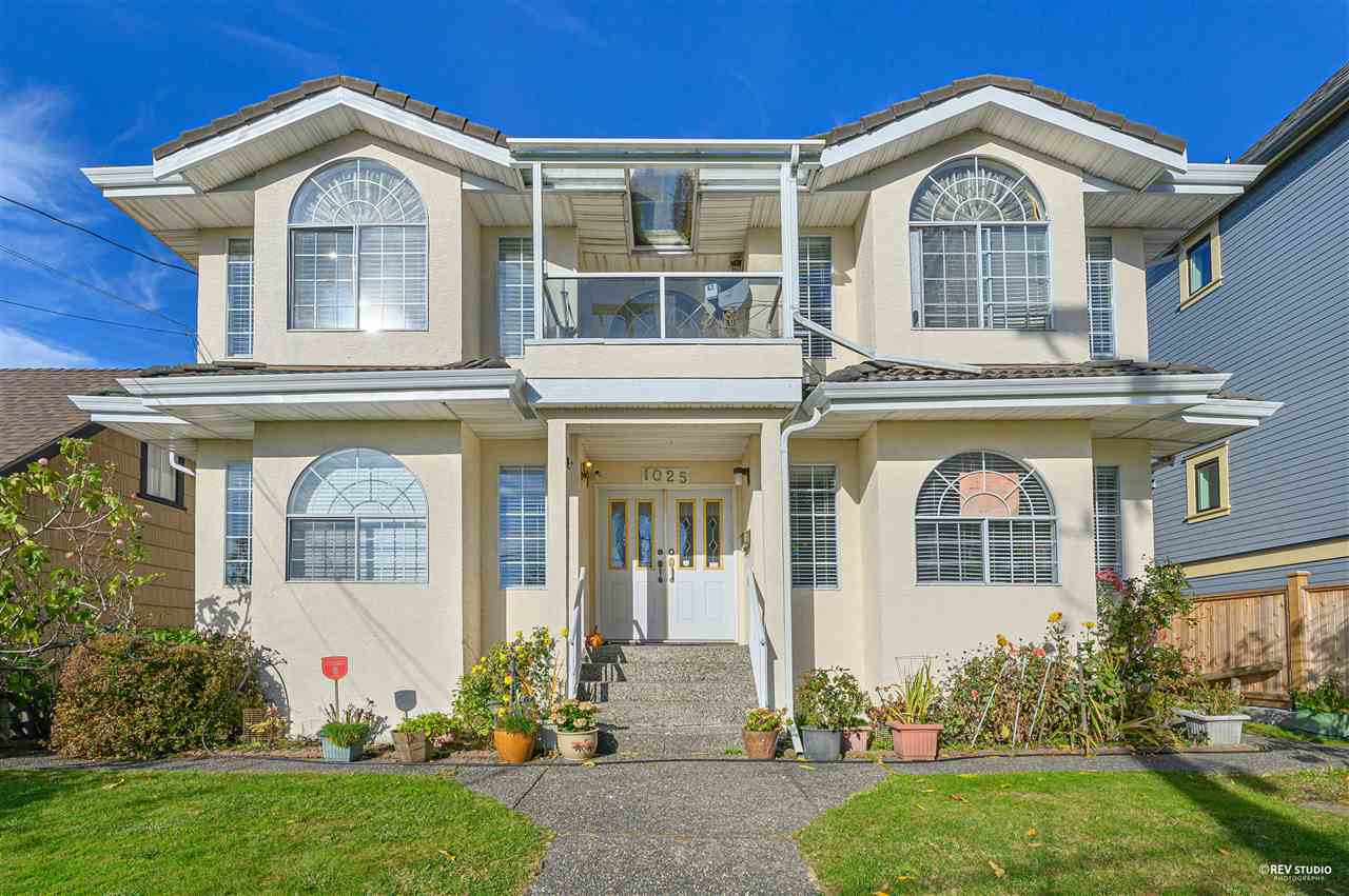 1025 THIRD AVENUE, New Westminster