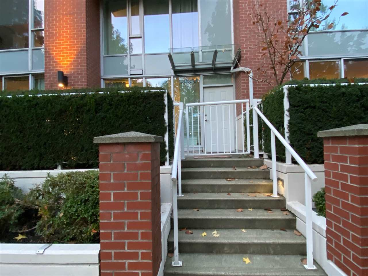 39 KEEFER PLACE, Vancouver West