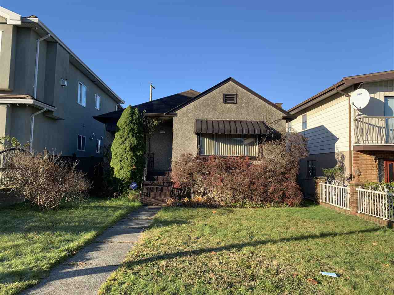 4435 FRASER STREET, Vancouver