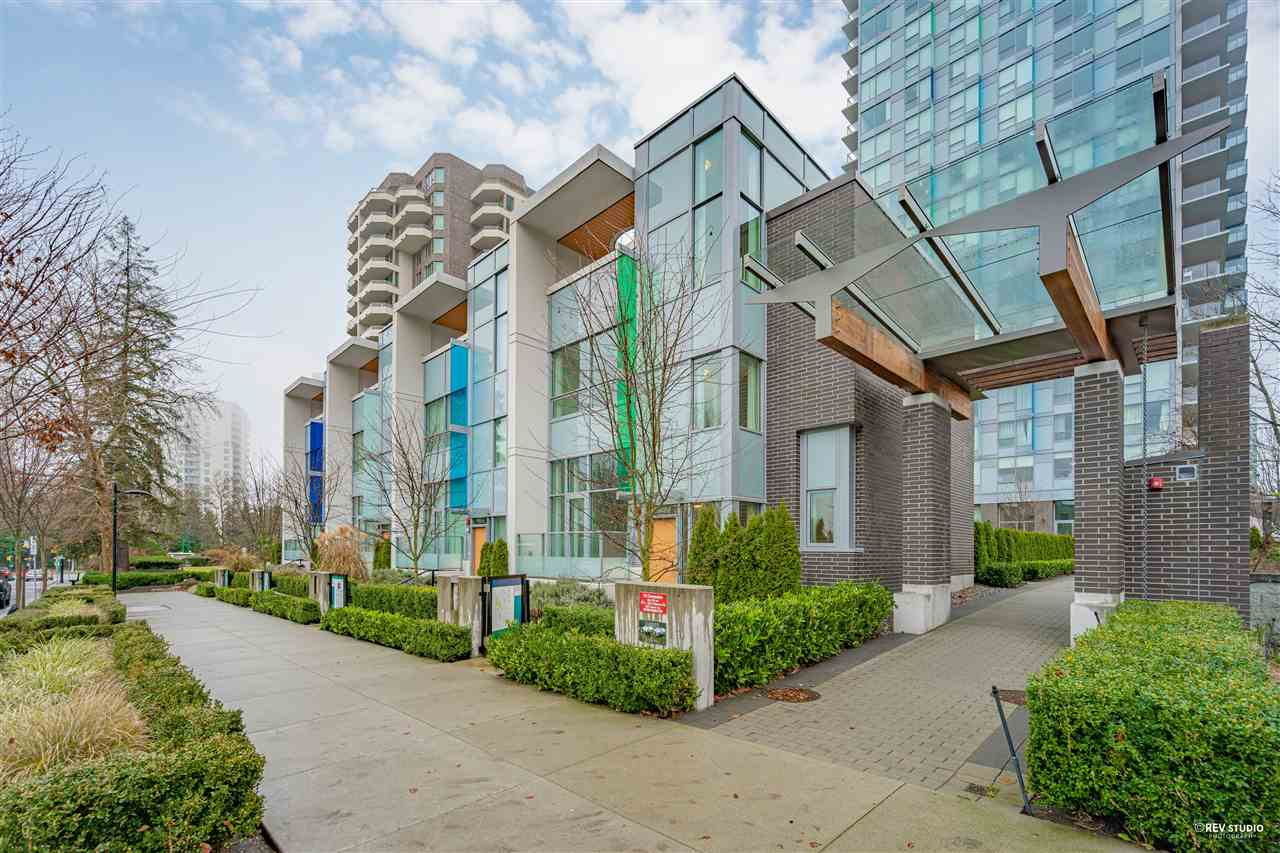 5822 PATTERSON AVENUE, Burnaby South
