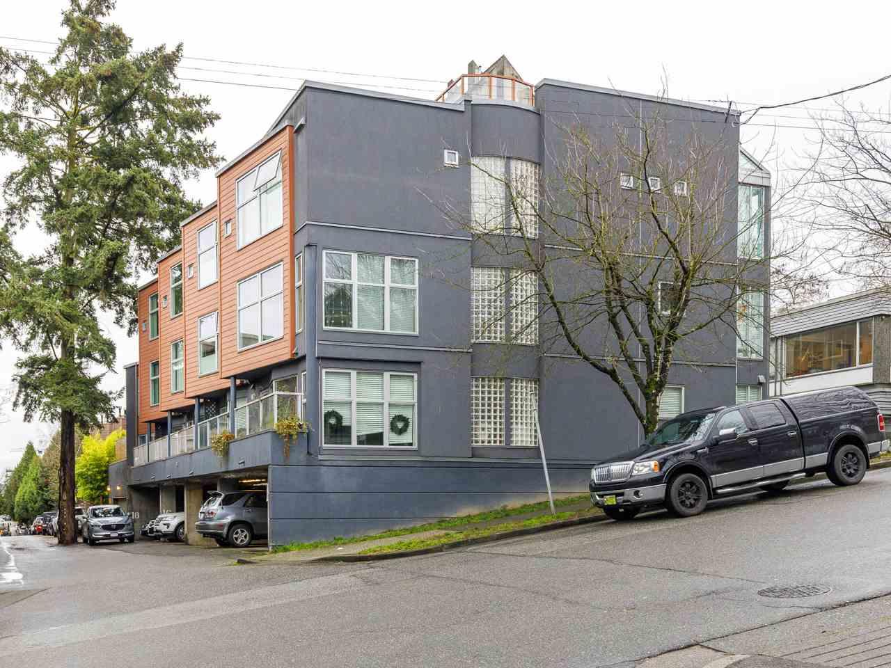 3 2368 LAUREL STREET, Vancouver West