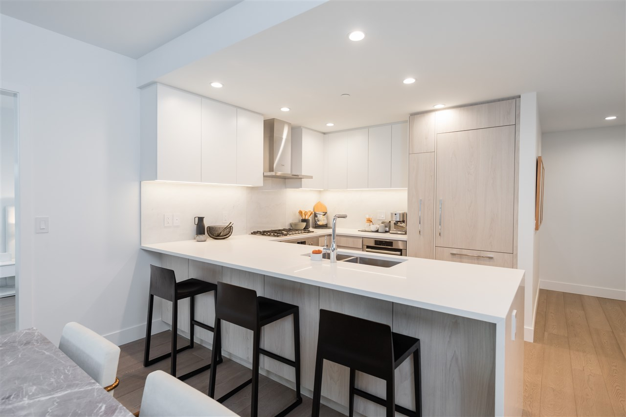 Listing Image of 403 177 W 3RD STREET
