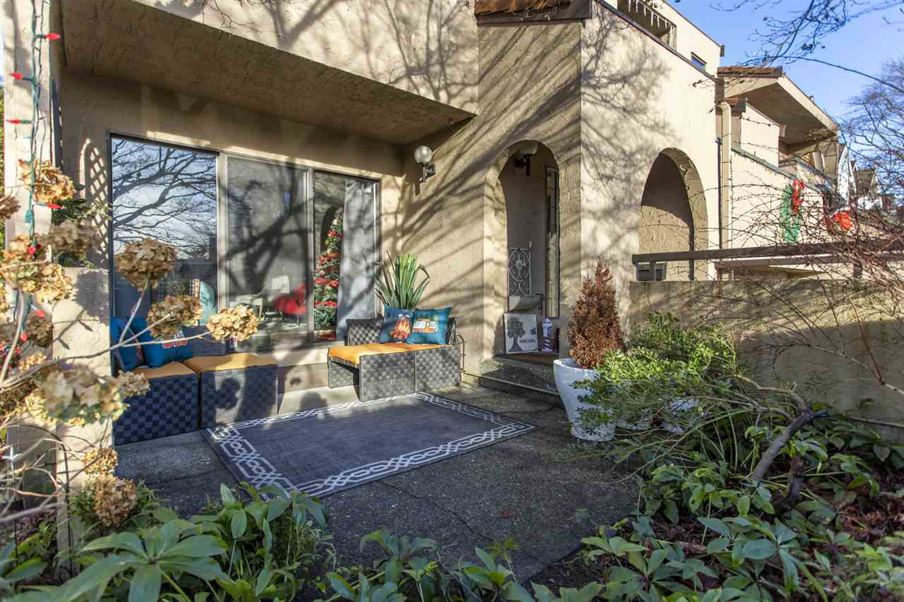 Listing Image of 1 226 E 10TH STREET