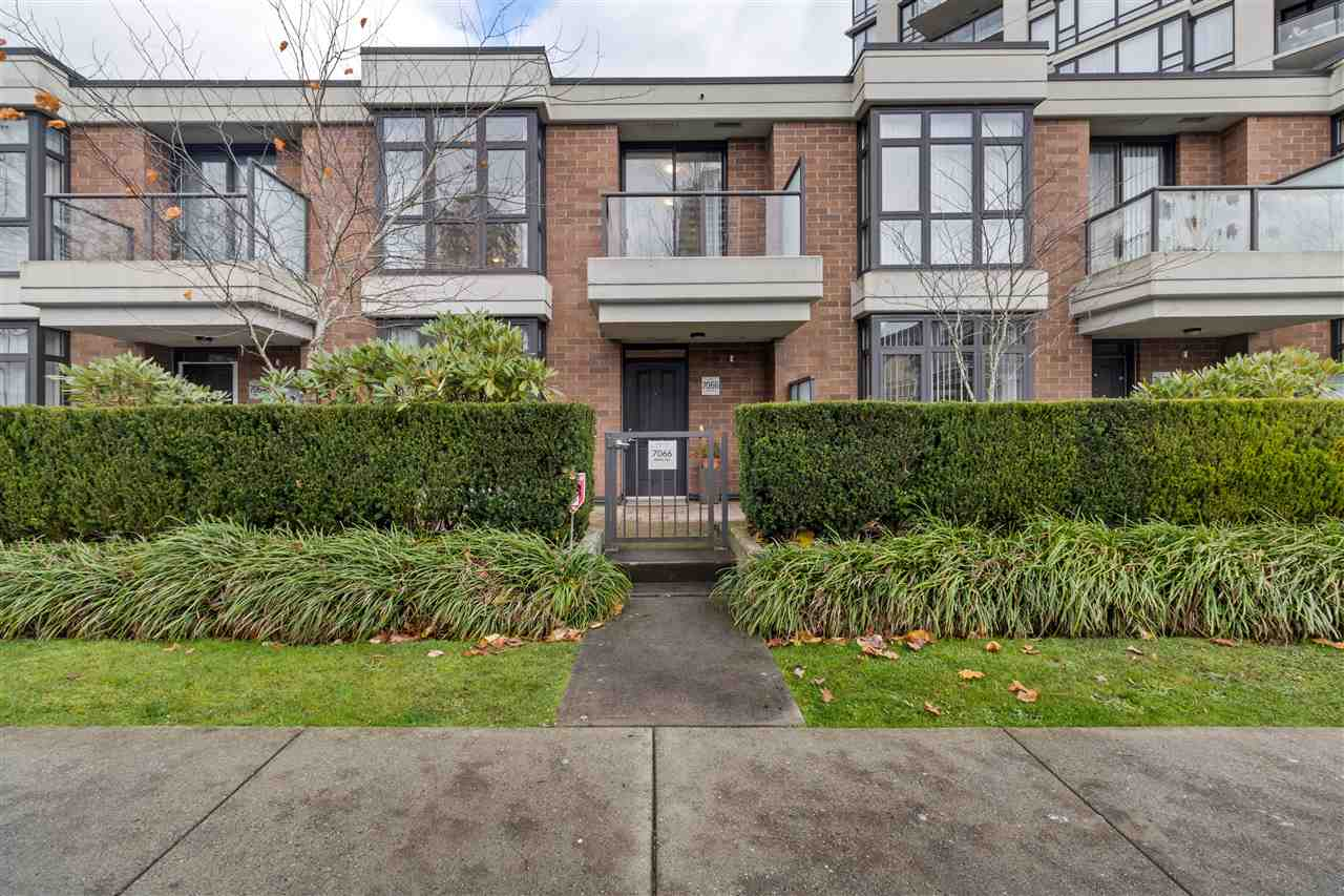 7066 WALKER AVENUE, Burnaby South