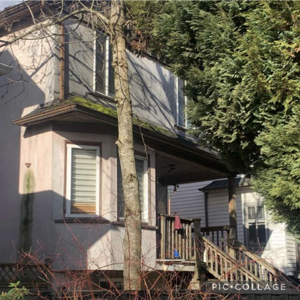 2 2537 FRASER STREET - Mount Pleasant - Vancouver