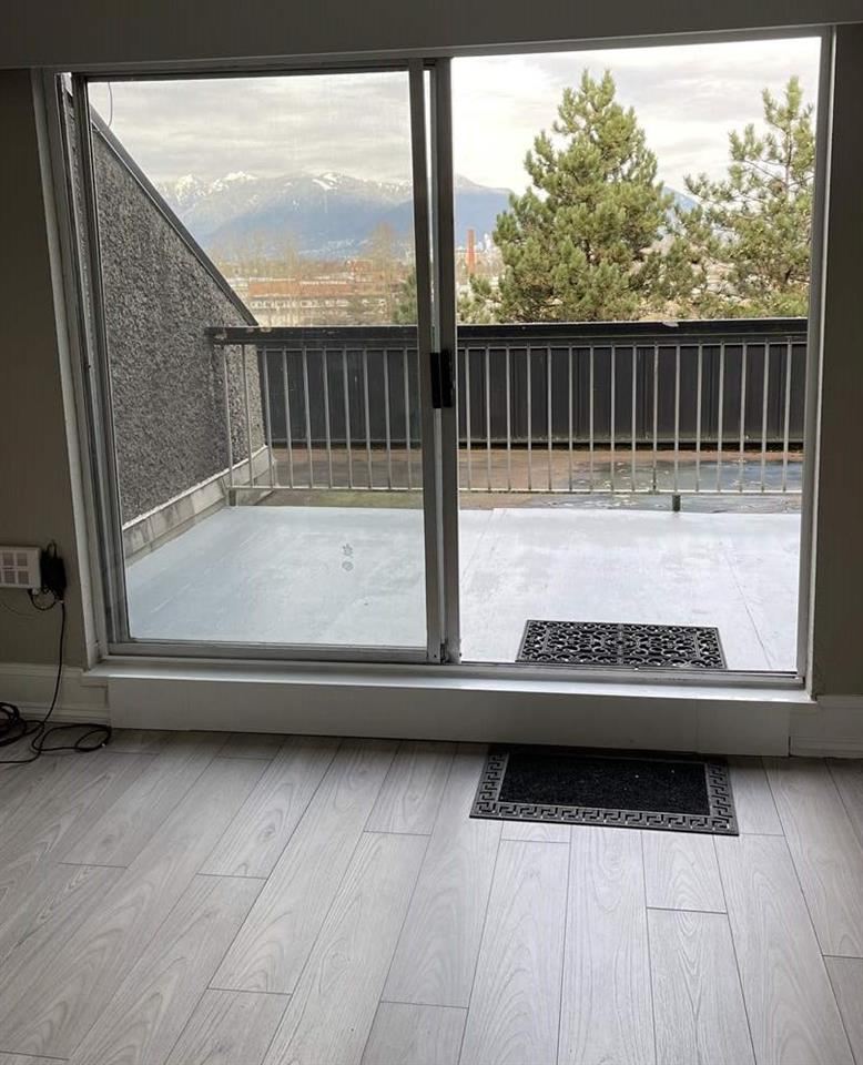 608 756 GREAT NORTHERN WAY - Mount Pleasant - Vancouver