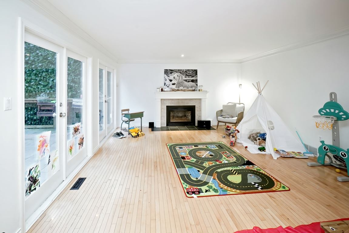 Listing Image of 4428 MARINE DRIVE