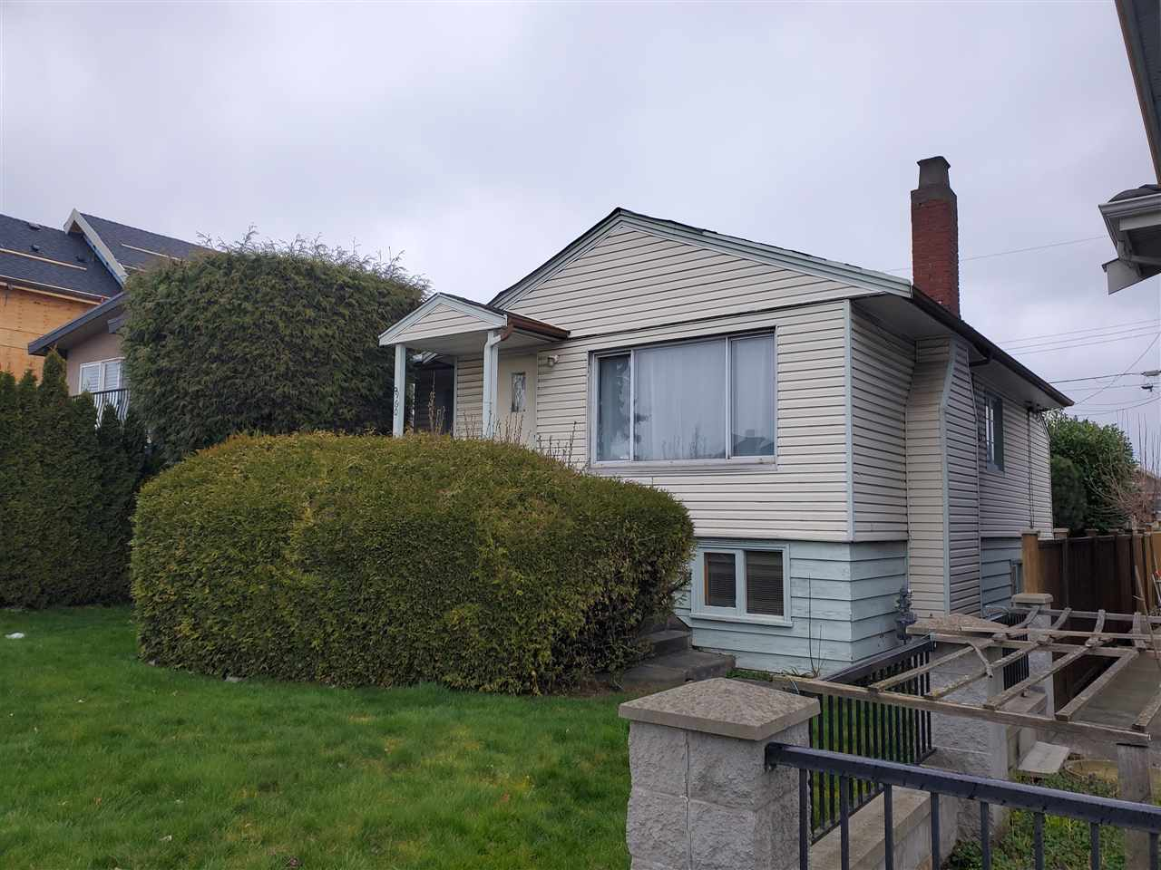 6960 KNIGHT STREET, Vancouver East