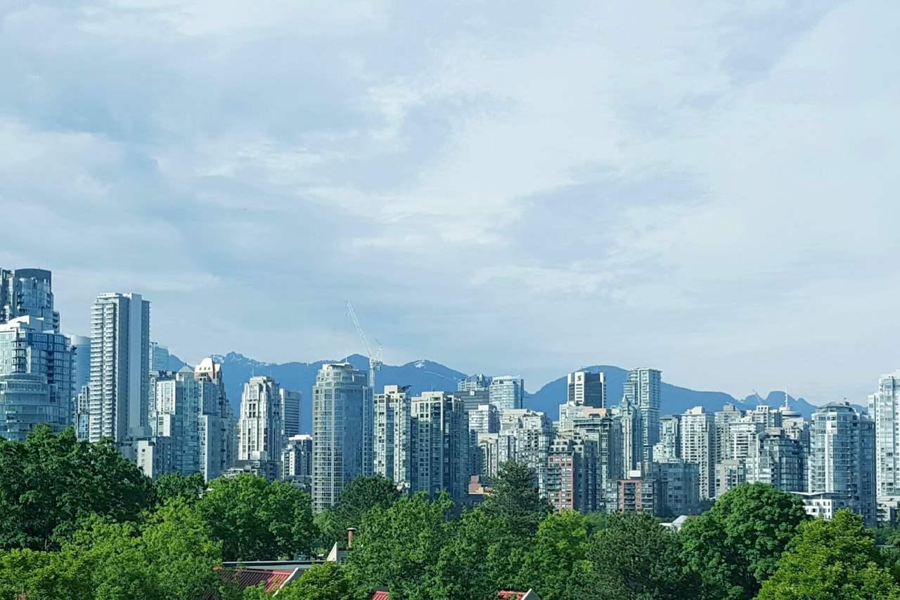 2225 OAK STREET, Vancouver West