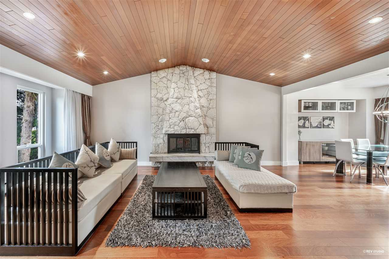 4869 COLBROOK COURT, Burnaby South
