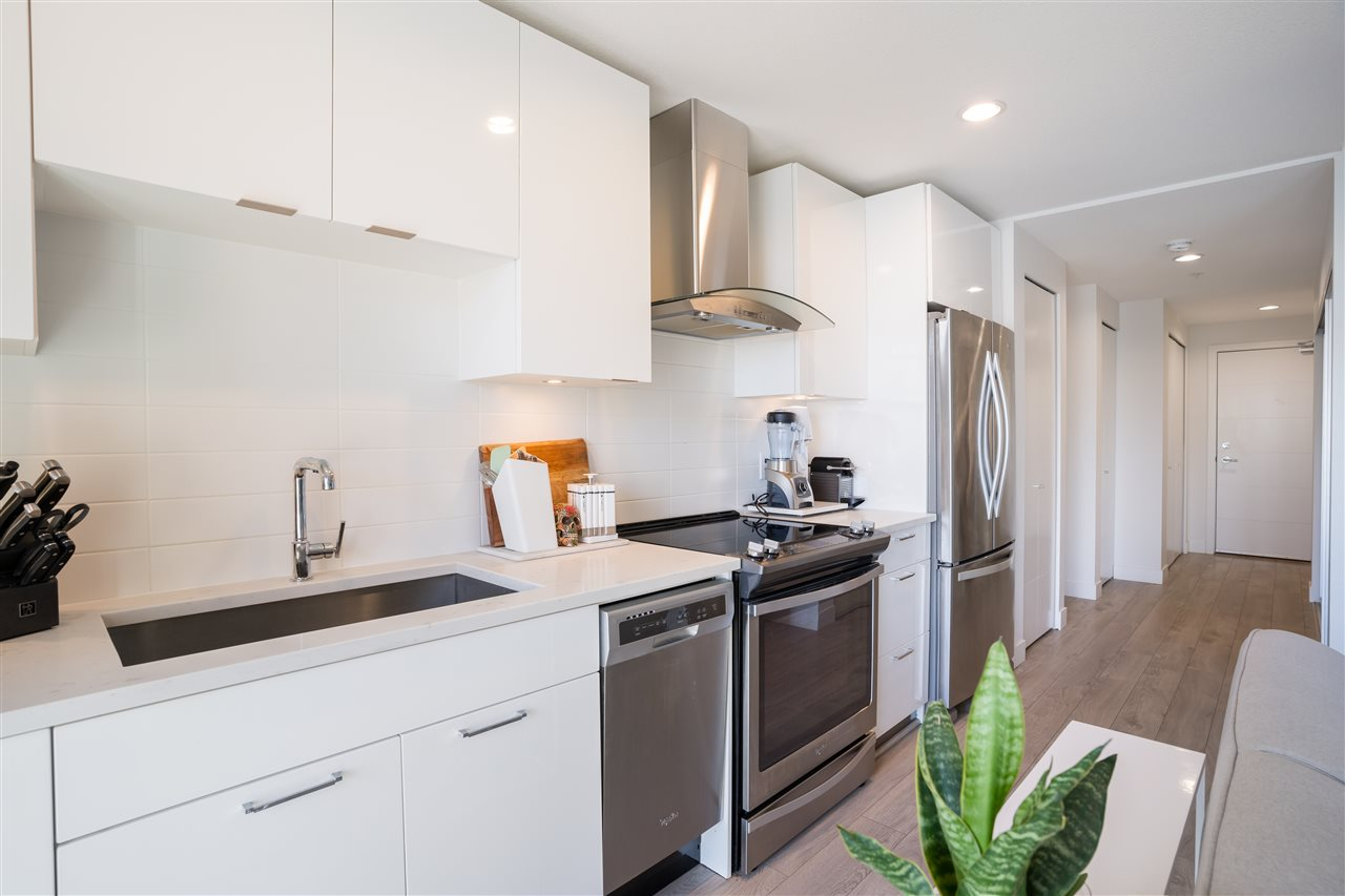 Listing Image of 211 719 W 3RD STREET