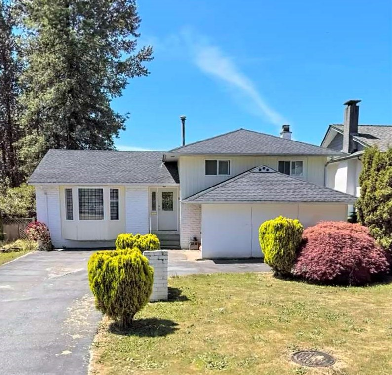 1129 RIDLEY DRIVE, Burnaby North