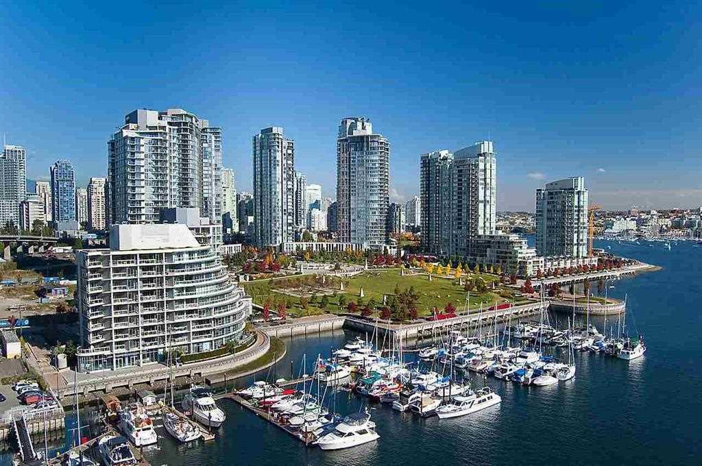 106 633 KINGHORNE MEWS, Vancouver West
