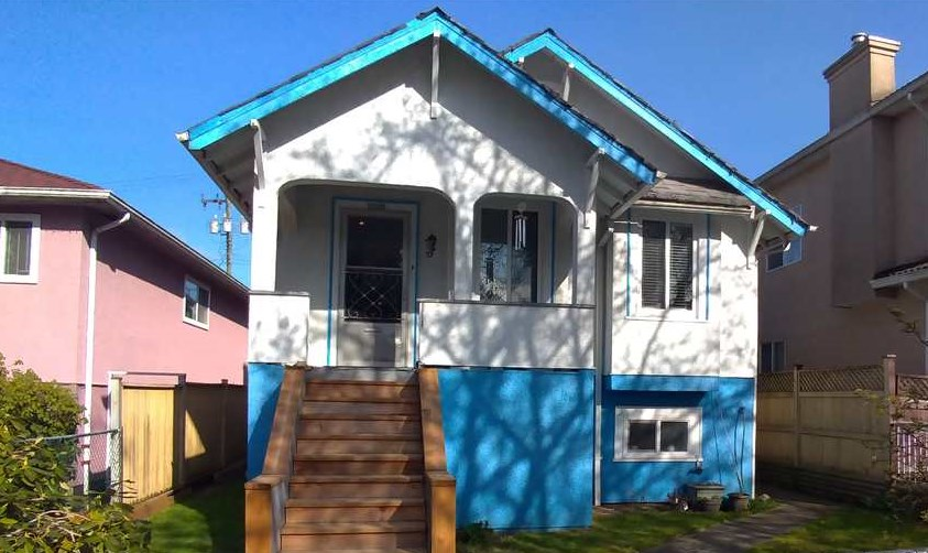 4854 BEATRICE STREET, Vancouver East